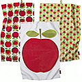 3 Apple Heart Tea Towels