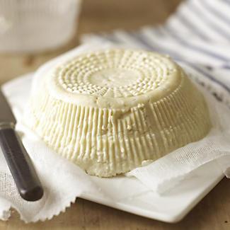 Lakeland Basket Soft Cheese Mould alt image 2