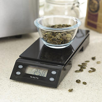 Lakeland Bread Maker Plus and Scales - 2 Loaf Sizes alt image 3