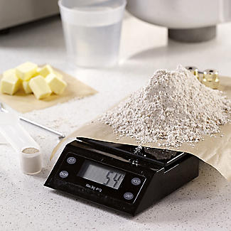 Lakeland Bread Maker Plus and Scales - 2 Loaf Sizes alt image 4