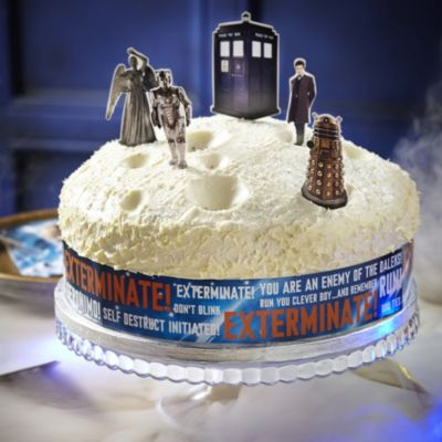 Lakeland Cake Decorating Kit : Doctor Who Cake Decorating Kit in toppers characters and ...