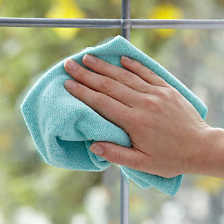 Clean & Gleam Glass Window Cleaning & Polishing Cloth alt image 2