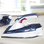 Tefal® FreeMove Cordless Steam Iron FV9920