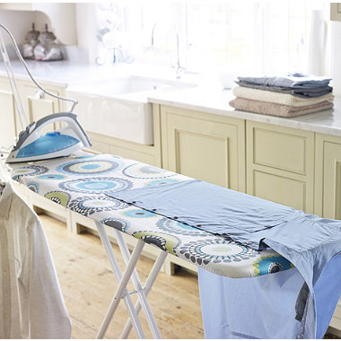 Fast-Fit Ironing Board