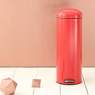 Brabantia® Soft Touch Lid Retro Kitchen Waste Pedal Bin - Red 20L alt image 4