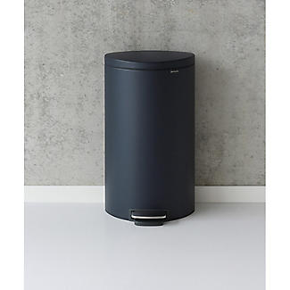 Brabantia® Flatback Kitchen Waste Pedal Bin - Dark Blue 30L alt image 4