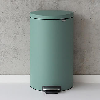 Brabantia® Flatback Kitchen Waste Pedal Bin - Mint 40L alt image 4