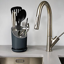 Joseph Joseph® Dock Sink Cutlery Holder & Drainer - Grey