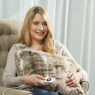 Alaskan Husky Faux Fur Heated Cushion alt image 3