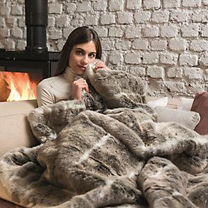 Alaskan Husky Faux Fur Heated Throw