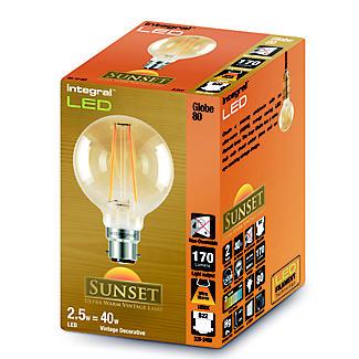 LED Filament Globe Bayonet Bulb Small ILGLOBB22N002 alt image 2