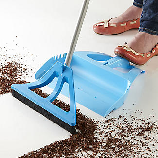 The Wisp Dustpan and Brush Set alt image 3