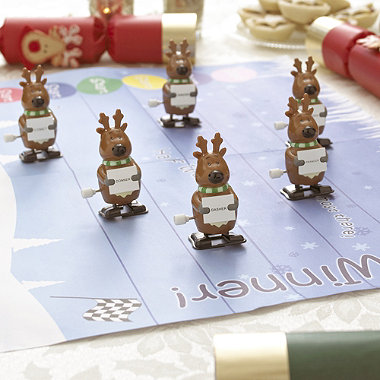 6 Racing Reindeer Christmas Crackers