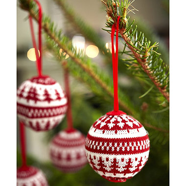 4 Winter Woollies Baubles