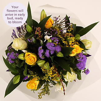 Country Delight Bouquet with free express delivery alt image 3
