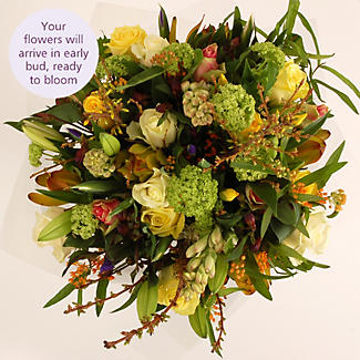 Luxury Spring Bouquet with free express delivery alt image 2