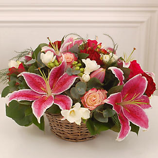 Table Arrangement Bouquet With Free Express Delivery