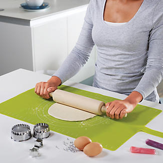 Joseph Joseph® Roll Up Baking Mat Green alt image 4