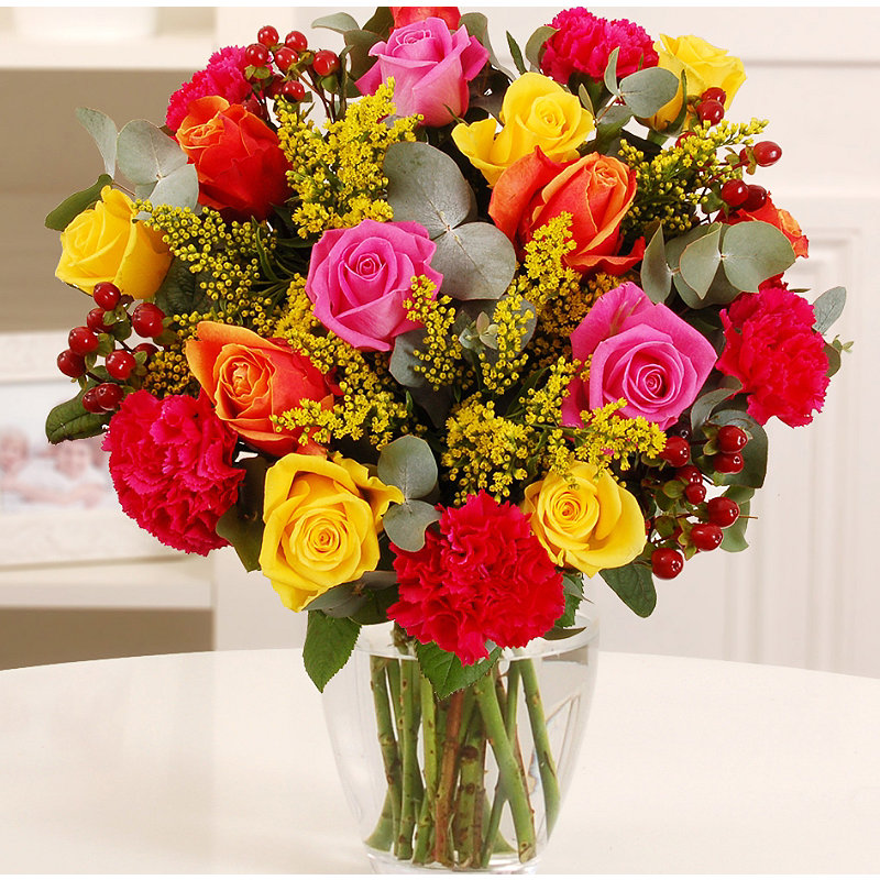 Vibrant Rose Bouquet With Free Express Delivery