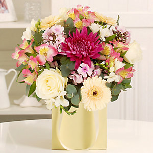 Gift Bag Bouquet With Free Express Delivery