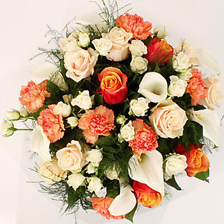 Peaches and Cream Bouquet With Free Express Delivery alt image 2