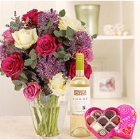 Hearts and Flowers Gift Set with Free Express Delivery