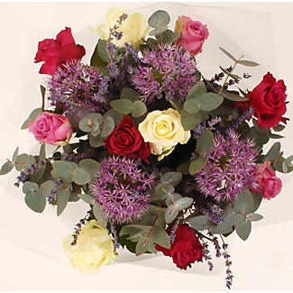 Hearts and Flowers Gift Set with Free Express Delivery alt image 2