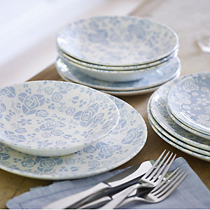 The Fledgling Dinnerware Set