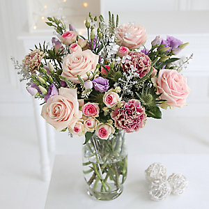 Winter Dream Bouquet with Free Express Delivery