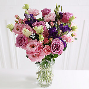 Rose & Lisianthus Bouquet With Free Express Delivery