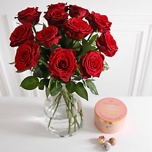 Sweetheart Rose Bouquet Chocolates  With Free Express Delivery