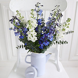 China Blue Coffee Pot Bouquet With Free Express Delivery