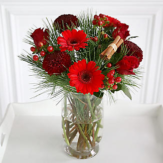 Very Berry Bouquet with Free Express Delivery