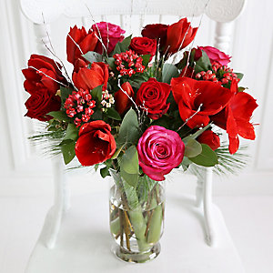 Scarlet Starlet Bouquet with Free Express Delivery