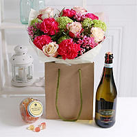 Pretty In Pink Gift Set Bouquet With Free