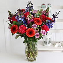 Scarlet Splash Bouquet With Free Express Delivery