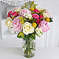 Strawberries and Cream Bouquet With Free Express Delivery