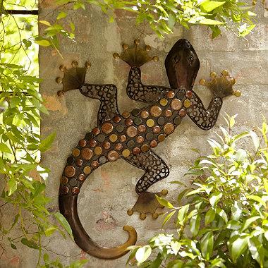 Wanddeko gecko in garten beleuchtung und ornamente bei for Wanddeko aussenbereich