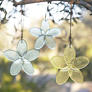 2 Hanging Glass Daisies