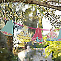 Truly Scrumptious Lampshade Garland