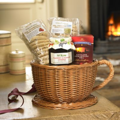 Christmas Cake Hamper Ideas : A Tea Time Treat Review: St Kew Teacup Basket Hamper from ...