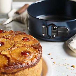 Lakeland 20cm Springform Cake Tin alt image 2