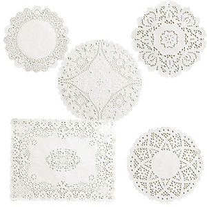Lakeland 120 Assorted Doilies