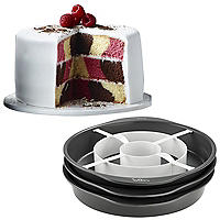 Wilton® Chequered Cake Pan Set