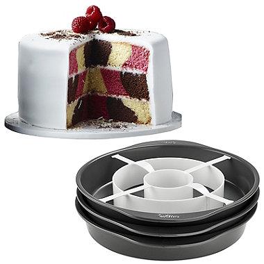 Wilton® Chequered Cake Pan Set