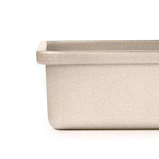 OXO Good Grips® Non-Stick Pro 23cm Square Cake Tin alt image 4