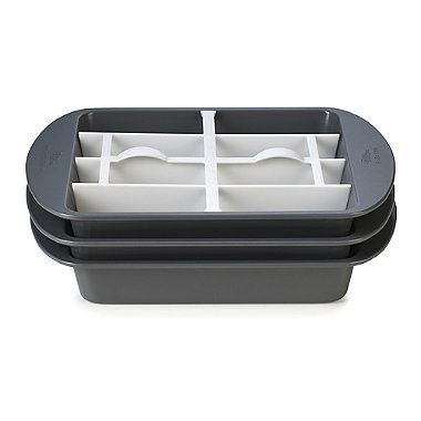 Wilton® Square Chequered Cake Pan Set