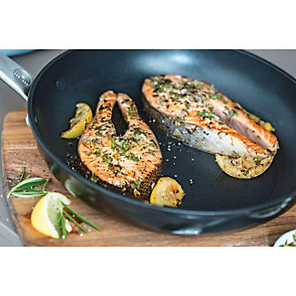 Circulon® Ultimum 25cm Frying Pan alt image 4