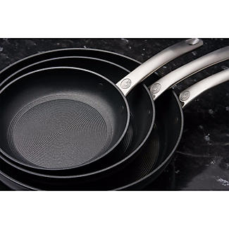 Circulon® Ultimum 25cm Frying Pan alt image 6