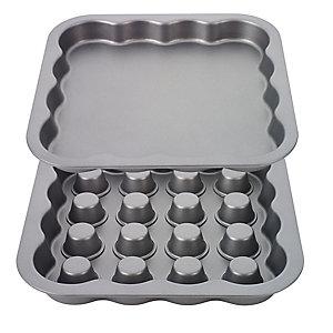 Quadratische 23-cm-Form für Schichtkuchen mit Füllung
